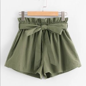 SHEIN Ruffle Waist Self Belt Paperbag Shorts